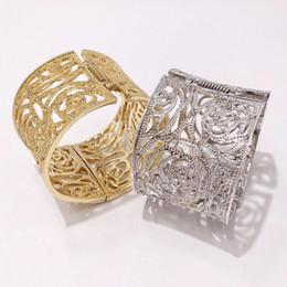 $enCountryForm.capitalKeyWord NZ - Fashion Designer Wide Bangles Hollow Bracelets Womens Luxury Diamond Bracelets Girls Gold Silver Wedding Bracelets Party Gift
