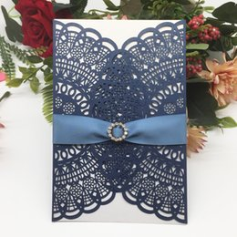 chinese engagement cards UK - 50pcs Wedding Invitation Card & Silk Bowknot Ribbon Decoration Wedding Engagements Festival Hollow Laser Cut Pearl Invitation Card