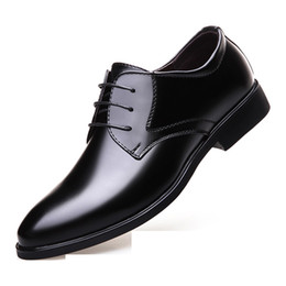 Korean blacK wedding dresses online shopping - Men s business dress shoes fashion Korean casual shoes men s black British round head tie banquet professional men s shoes