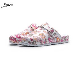 $enCountryForm.capitalKeyWord NZ - Hot Top Women Slippers Cartoon Girls Operating Room Slipper Summer Female Beach Shoes Doctor Surgical Shoes Non-slip Nurse