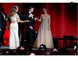 9f8bf5d96 2019 Nueva Ivanka Trump vestidos de celebridades inaugurales Champagne  Blingbling con cuentas princesa vestido de bola de tul desnuda moda vestidos  de noche ...