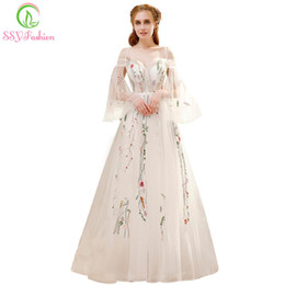 $enCountryForm.capitalKeyWord Australia - wholesale Summer New Fresh Long Prom Dress White Lace Embroidery Speaker Sleeves Sweep Train Romantic Banquet Party Formal