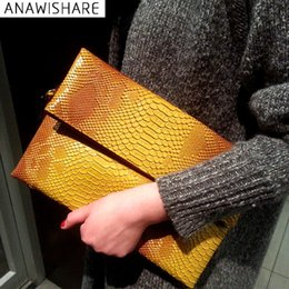 diamante clutches NZ - ANAWISHARE Women Day Clutches Bags Serpentine Leather Messenger Crossbody Bags Ladies Evening Party Designer Handbags M85 #92958
