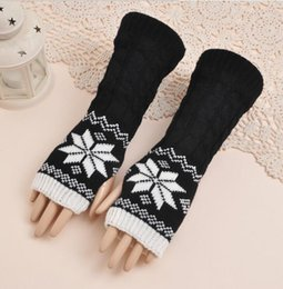 Long arm gLoves online shopping - Autumn and winter women s yarn knitted long gloves lady s winter fingerless snow arm sleeve R160