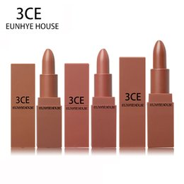 $enCountryForm.capitalKeyWord Australia - Lipstick Matte Lipstick Waterproof Lips Cosmetics Easy To Carry Matte Lipsticks 5 Colors In Set Hot Sale