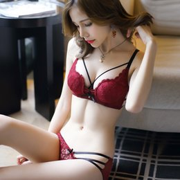 Jyf Hot Sale Sexy Hollow Women Underwear Embroidery Deep V Lace Set Padded Sponge Lingerie Young Girl Bra Brief Sets C19042301