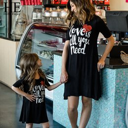 $enCountryForm.capitalKeyWord Australia - He Hello Enjoy Mother Daughter Dresses Family Matching Clothes Black Print Letter Love Dress Mommy And Me Outfits Girls 2019 Y19051103