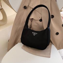 Hot de toile de femmes Petit sac à bandoulière Lady Messenger Vintage Fashion Bag Subaxillary sacs Kandall Bolsa en Solde