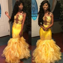 Satin mermaid evening dreSSeS StrapleSS Sexy online shopping - 2019 Yellow African Mermaid Prom Dresses Strapless Illusion Bodice Ruffles Appliques Beads Long Formal Evening Party Gowns Cheap