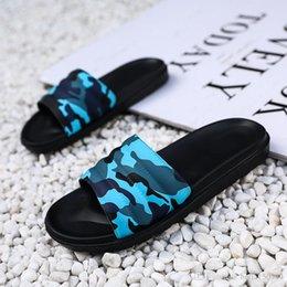 Diseñador de alta calidad Caucho sandalia deslizante Floral hombres zapatillas Pantalón de deporte Chancletas ligeras rayas Zapatillas de playa camuflaje Chanclas