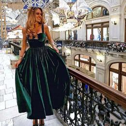 $enCountryForm.capitalKeyWord Australia - Vintage Tea Length Cocktail Dress Elegant 2019 Latest Elegant Sweetheart Green Velvet Ladies Formal Party Gown Spaghetti Homecoming Dresses