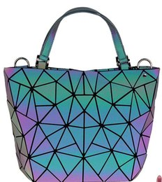 $enCountryForm.capitalKeyWord Australia - 2019 the latest fashion super hot free shipping lingge geometric hand bill of lading shoulder bag