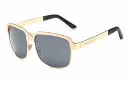 Toptan satış Lüks-Yüksek Kalite Klasik Pilot Güneş Tasarımcı Marka Mens Womens Güneş Gözlükleri Gözlük Altın Metal Yeşil Cam Lensler Kahverengi Case8039