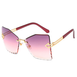 metal shake NZ - Shaking The Same Paragraph Frameless Trimming Ladies Sunglasses New High Quality Metal Fashion Arrow Butterfly Sunglasses