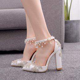 $enCountryForm.capitalKeyWord Australia - Pointd Toe Crystal Wedding Dress Shoes White Color Block Heel Lady Dancing Shoes with Buckle Straps Wedding Bride Shoes