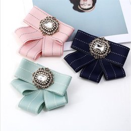 $enCountryForm.capitalKeyWord Australia - Trendy Crystal Ornament Girls Brooches Fashion Shorts Tassel Women Brand Pins Personality Gifts Lovely Lady Charm Clothing Accessories