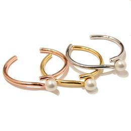 Chinese  luxury designer bangles women fashion bracelet Elegant White Pearl bangle bracelet jewelry manufacturers