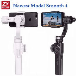 Wholesale ZhiYun Smooth 4 3-Axis Handheld Smartphone Gimbal Stabilizer con Focus Pull Zoom para iPhone Xs Max XR X 8 Plus 7 6 SE Android Samsung