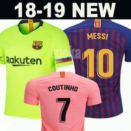 10 Messi Barcelona Soccer Jersey 2018 Hombres Mujeres Niños Kits 8 A.  INIESTA 9 SUAREZ MALCOM Dembele COUTINHO O. DEMBELE Camisetas de uniformes  de fútbol 5bb731bc6e2ac