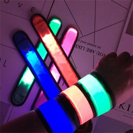 $enCountryForm.capitalKeyWord UK - LED Glowing Bangle Fluorescent Bracelet New Year Wedding Party Supplies Concert Carnival Night Accessories Lighting Wristband