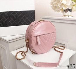 $enCountryForm.capitalKeyWord Australia - 18 new products early spring round cake ladies classic leather v-shaped gold chain hot single shoulder Messenger bag messenger paragraph num
