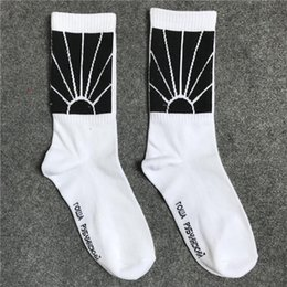 wholesale hip hop socks UK - Travis Scott Mens Fashion Socks Striped Sport Cotton Breathable with 3 Colors Skateboard Couple Hip Hop Socks for Males