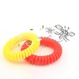 Nueva pulsera repugnante del mosquito elástico estirable bobina espiral muñeca de la mano de la banda telefónica anillo de la cadena anti-mosquitos pulsera en venta