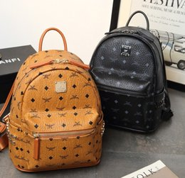 Wholesale Genuine Leather High Quality size Luxury Brand men women s Backpack famous Backpack Designer lady backpacks Bags Women Men back pack
