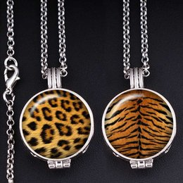 zebra pendants Australia - leopard tiger zebra snake animal pattern Perfume Aroma Locket glass Necklace Fragrance Essential Oil Diffuser XS642