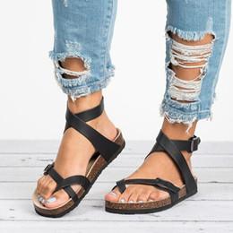 Femmes Sandales Chaussures 2019 Été Épaisse Plat Solide PU Casual Fille Plage Femme Flops Dames Chaussures Femmes Noir Marron 35-43 en Solde