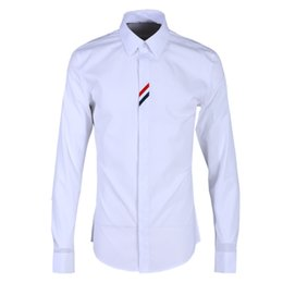 Wholesale white male free shirts online – design Newest Men casual shirt Original Threshold Patchwork Camisa Masculino Classical White Ironing free Red Blue Ribbon Males shirt