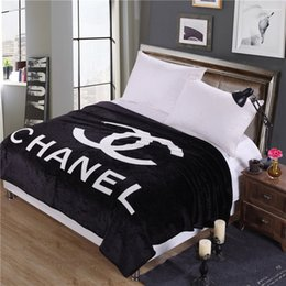 Wholesale Black Fashion Letter Blanket New Simple Design Office Dormitory Nap Print Blanket New Brand Logo Blankets