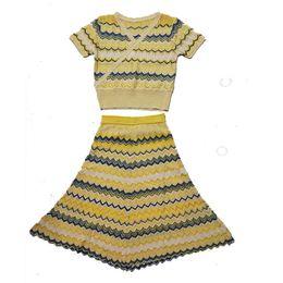 $enCountryForm.capitalKeyWord NZ - Real shot spot France 2019 summer new V-neck wavy V-neck top large swing dress fashion two-piece
