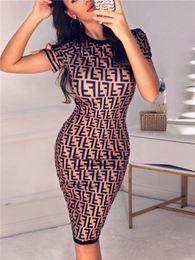 Nuove donne di arrivo Vestito estivo F Lettere stampate Abiti skinny Designer Bowknot Split Dress O Neck Women Clothes in Offerta