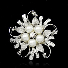 Pin Wedding Dresses Australia - Crystal Pearl flower Brooches pins Silver Gold plated Corsage Women Men Wedding jewelry Bride Corsage Dress Suit jewelry DROP SHIP 170283