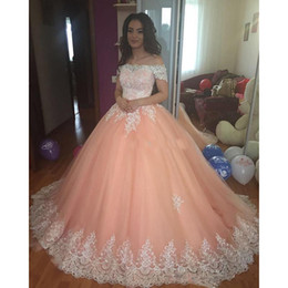 Wholesale Sweet Peach Quinceanera Dresses Off Shoulder Appliques Puffy Corset Back Ball Gown Princess Years Girls Prom Party Gowns Custom