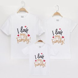 $enCountryForm.capitalKeyWord NZ - 2019 I Love Family Matching T-shirt 100% Cotton Mom Mother Daughter Dresses Clothes Son Baby Look Outfits Matching Shirts Tops Y19051103
