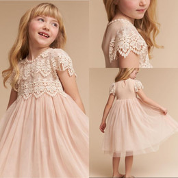 $enCountryForm.capitalKeyWord Australia - Free Shipping A Line Jewel Flower Girls Dresses For Wedding Tea Length Light Champagne Tulle Lace top Short Sleeve Flower Girls Pageant Gown