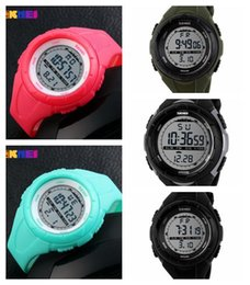 $enCountryForm.capitalKeyWord Australia - 6 New Kind of Men's Sports Electronic Watches Selling Diving Watch Fashion Watches for Male Students