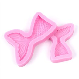 fondant cut UK - 3D Mermaid Tail Shaped Silicone Mold DIY Cake Candel Chocolate Soap Mold Mould Fondant Sugar Art Tools For Soap Making