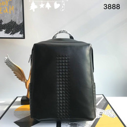 springs global Canada - Early spring 2020 fashionable backpack shows unique temperament, low-key and luxury factory direct global free transport 3888