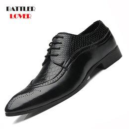 2019 Nova Chegada Estilo Britânico Homens Sapatos Formais Clássicos de Negócios Apontou Toe Retro Projeto Bullock Hombre Mens Oxford Vestido Sapatos