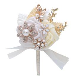 2020 Rustic Brooch Corsages for the Groom Groomsmen Bride Bridesmaid wedding suits for men wedding suit grooms men Pearls Rose Flowers on Sale