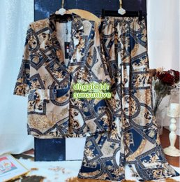 $enCountryForm.capitalKeyWord NZ - Women Vintage Luxury Designer Blazer Shirt Brand Two Piece Pants Geometric Print Tops T-Shirt Blouse+Pants Legging Trousers Girs Runway Sets