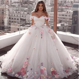 Wholesale Off Shoulder Flowers prom Ball Gown Beaded Quinceanera Dress Lace Up Back Luxurious Pleated Tulle Sweet 15 Party Dresses