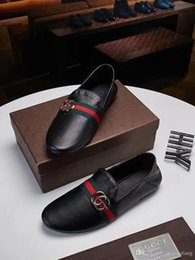 shoes for men leather classic NZ - Best White Black Famous Brands New Designer Classic Men Leather Shoes European Shoes Casual Shoes For Men Men	s Size 8-5 With Box