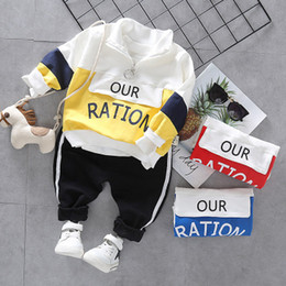 boys 3t winter clothes Canada - 2019 boys sports suit new children caus tide stitching zipper sweater wholesale infant fashion clothing kids wear trend Autumn new boy cloth