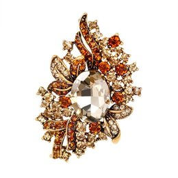 Flower Spin Dangle Bling Rhinestone Pin Brooch Bridal Dress Cloth Decor 145e4a232c0b