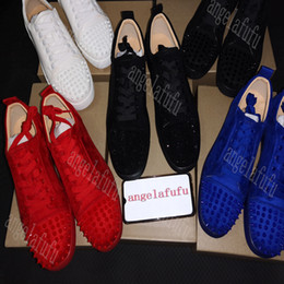 Wholesale NEW2019 Designer Sneakers bottom is red shoe Low Cut Suede spike Shoes For Men and Women Luxury Shoes Party Wedding crystal Leather Sneakers