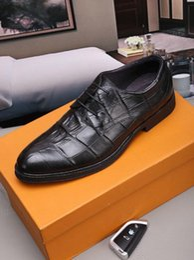 Novo design mens vestido sapatos terno sapato dedos apontados Lace-up Oxford italiano genuíno couro lazer sapato Chaussure Hombre 38-44